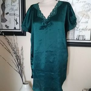 Vintage Victoria's Secret Emerald sleepwear